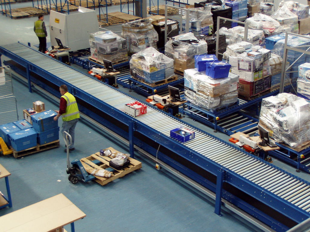 Belt Driven Roller Conveyor – Gavin Materials Handling